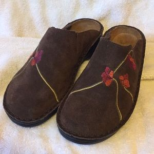 Shoes - Naot leather embroidered clog/moccasin size 7 Eu37